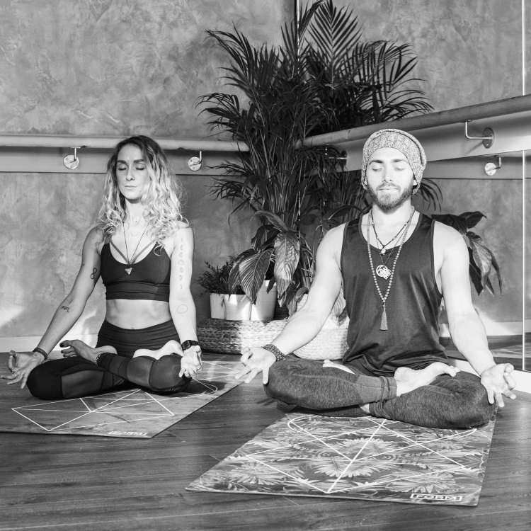 Couple yoga improves your sexual relationship with your partner