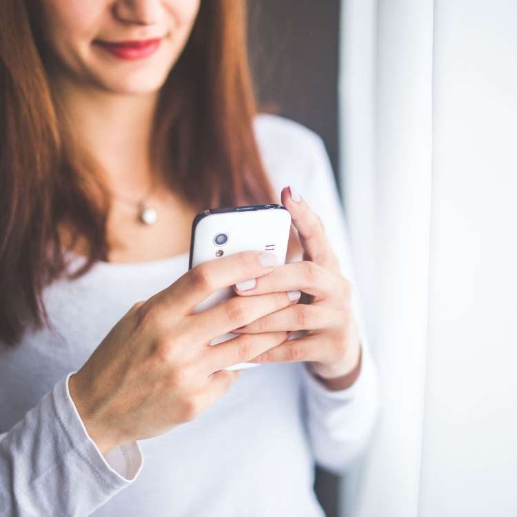 Sexting tips every man should consider before typing those words