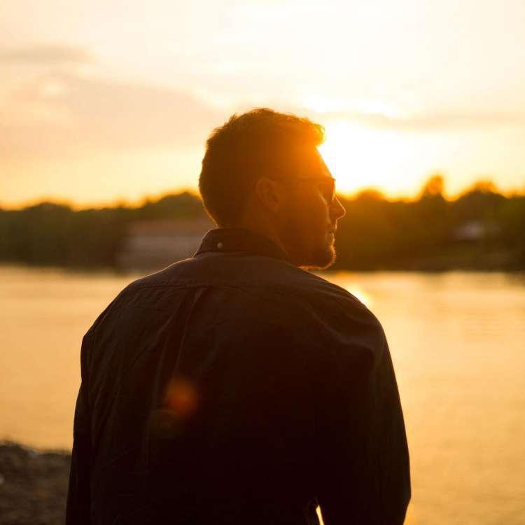 ज्यादा उम्र के पुरुषों को एस्ट्रोजन के बढ़ने से क्या खतरा होता है? जानें