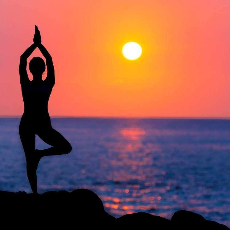 पुरुषों और महिलाओं दोनों की सेक्स लाइफ के लिए हैं ज़रूरी ये 3 योगा आसन