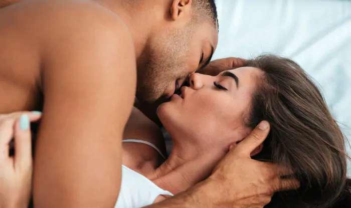 मास्टरबेशन से बेहतर है सेक्स, पुरुष 5 तरह से प्राप्त कर सकते हैं चरम सुख (ओर्गस्म)