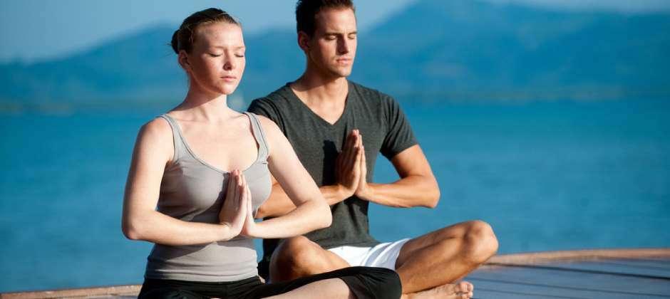 योगा आपकी सेक्सुअल ज़िंदगी में ला सकता है बहार, होंगे ये 7 फायदे
